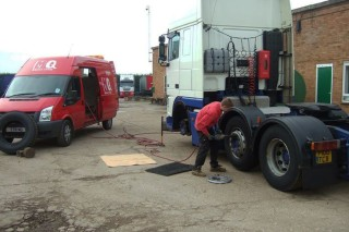 Mobile Truck Tyre Fitting