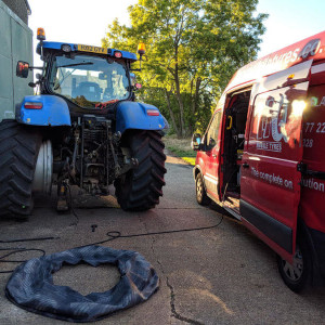 truck tyre replacement