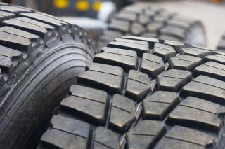 Tyre re-grooving